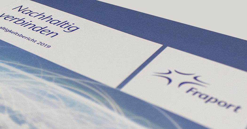 Nachhaltigkeitsbericht Fraport AG, vollständig mit Blauem Engel RAL-UZ 195 zertifiziert.